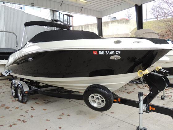 2010 Sea Ray 230 Select Boat