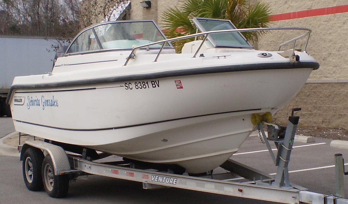 2005 Boston Whaler 210 Ventura