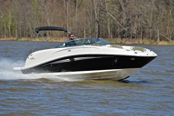 2006 Sea Ray 260 Sun Deck