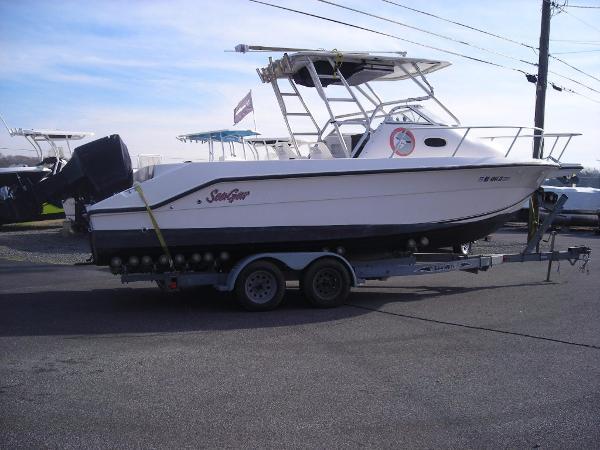 2004 Angler 2500 Walkaround