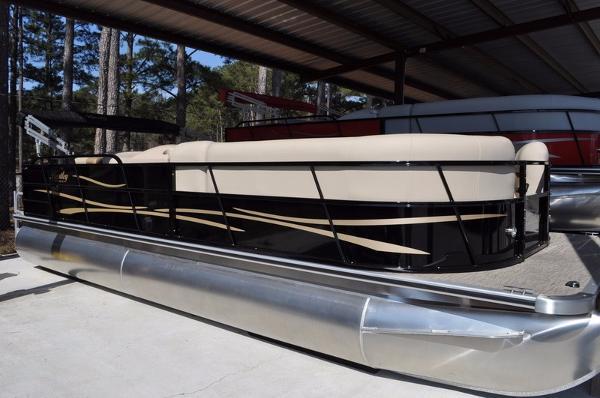 2016 Encore Boat Builders BENTLEY 240 CRUISE SE