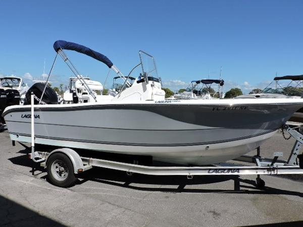2007 Laguna 21 Center Console