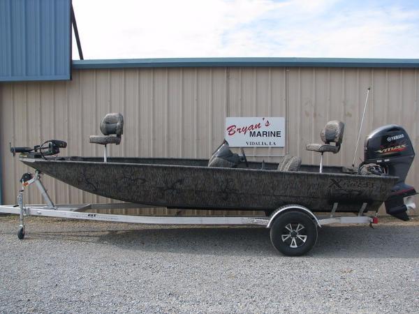 2017 Xpress Boats Xplorer Catfish Series XP200