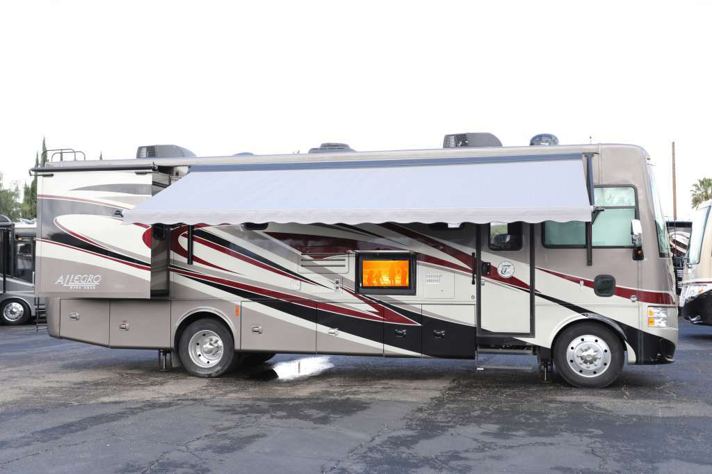 2014 Tiffin Motorhomes Allegro 31 SA