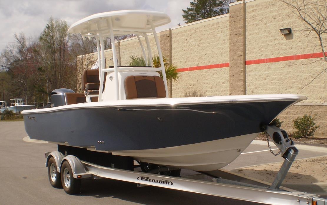 2017 TIDEWATER BOATS 2500 Carolina Bay