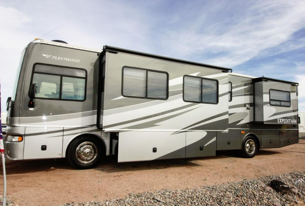 2007 Fleetwood EXPEDITION 38N