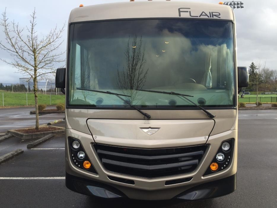 2016 Fleetwood FLAIR 26E