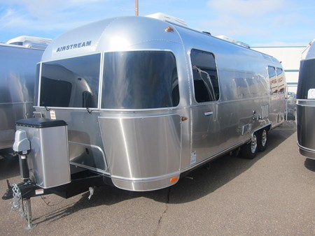 2017 Airstream Intl Signature 27FB