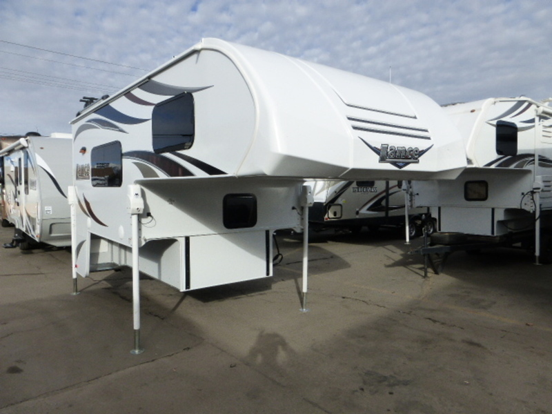 2017 Lance Truck Campers 825