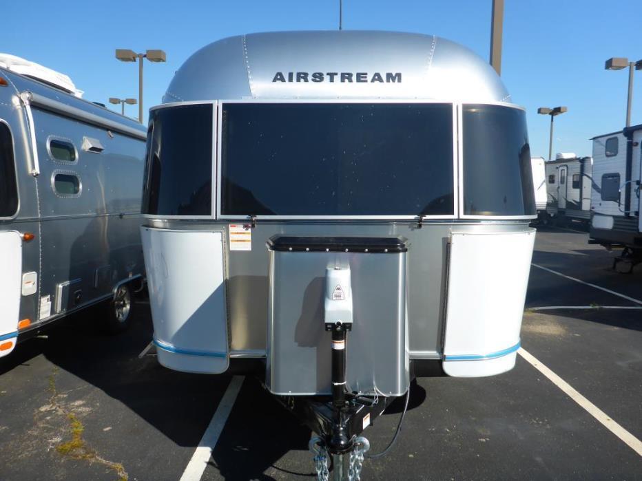 2017 Airstream International Serenity 30WWB REAR SERENITY