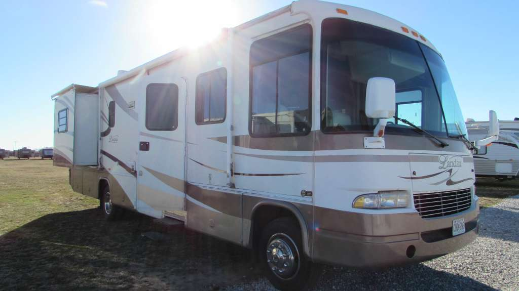 2004 Georgie Boy Landau 3525TS Workhorse