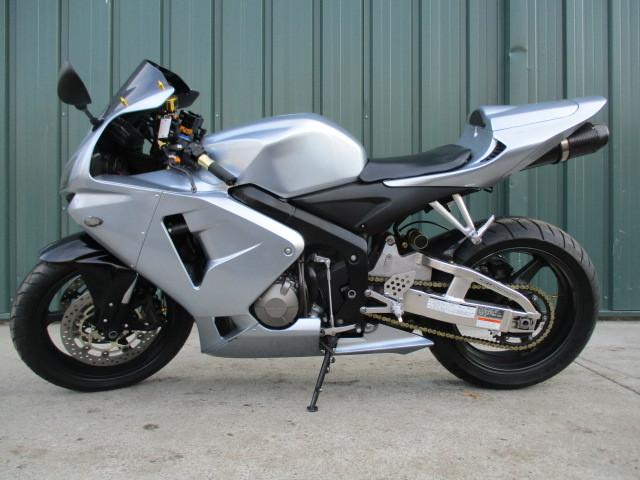 2006 Honda CBR 600RR CLEAN EXTRAS CHEAP SUMMER