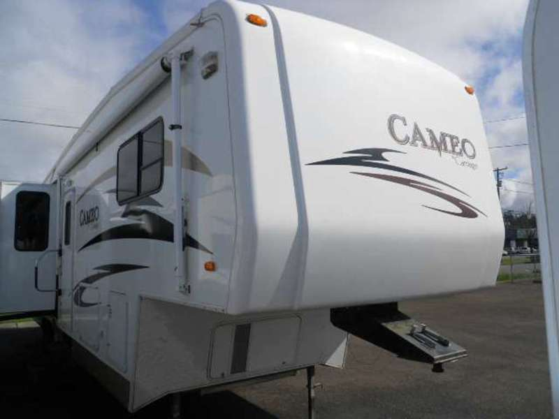 2007 Carriage Cameo 5th Wheel 35'