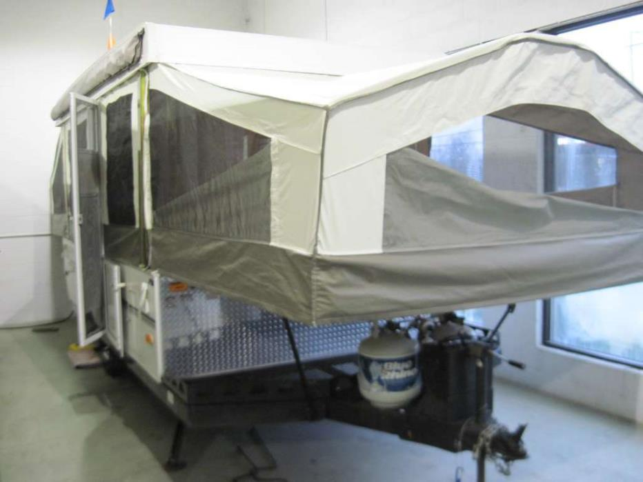 2011 Forest River Rockwood Freedom / LTD 2280BH