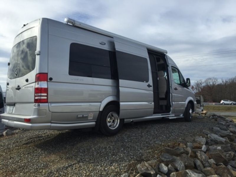 2016 Airstream GRAND TOUR 3500
