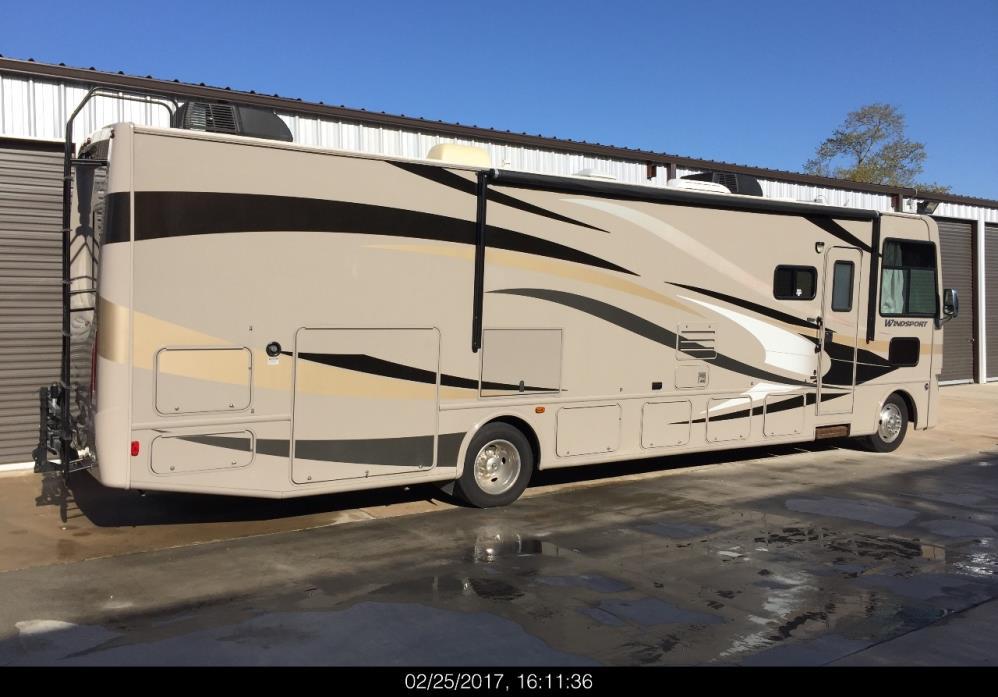 2013 Thor Motor Coach WINDSPORT 34F