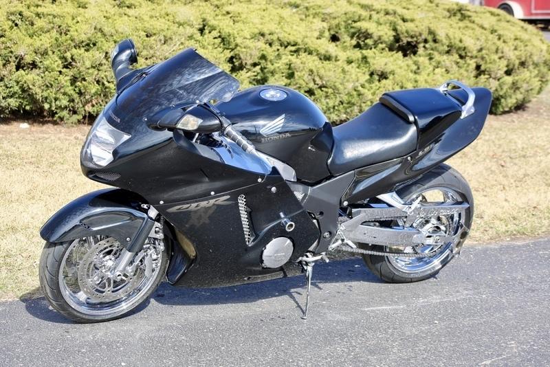 1997 Honda CBR 1100 XX Super Blackbird