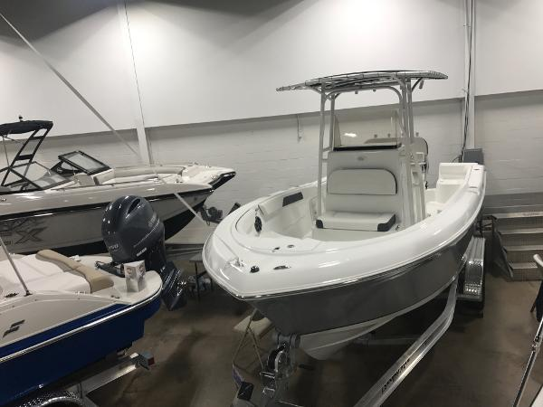 2017 Clearwater 2200 Center Console