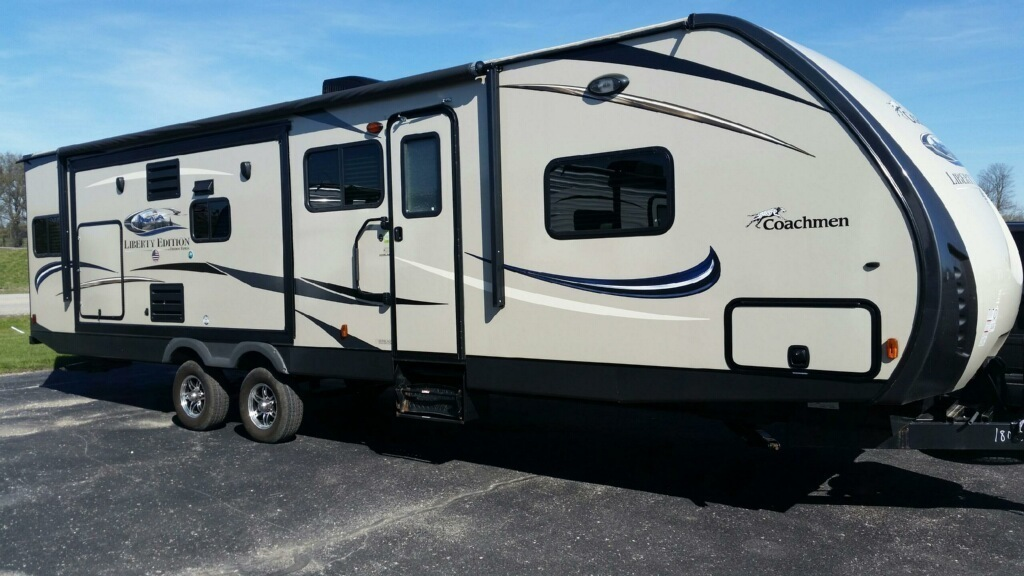 2015 Coachmen FREEDOM EXPRESS LIBERTY EDITION 322RLDSLE