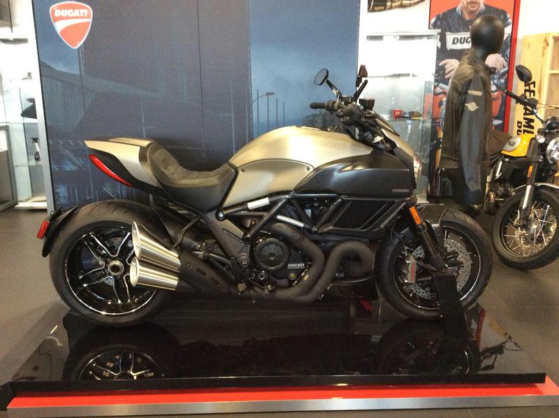 2015 Ducati Diavel Titanium