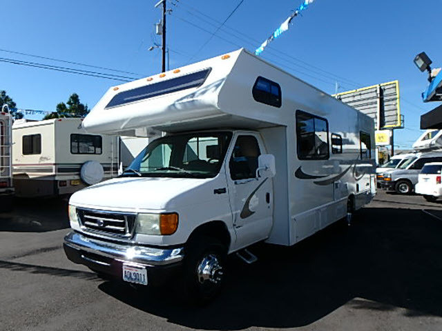 2004 Four Winds Five Thousand 29.5ft Class C Motor Home