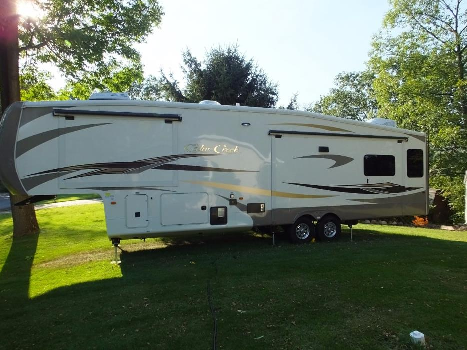 2015 Forest River CEDAR CREEK HATHAWAY 36CKTS