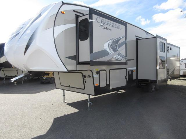 2017 Coachmen Chaparral 360IBL Four Slideouts/ Mid Bunk Room/