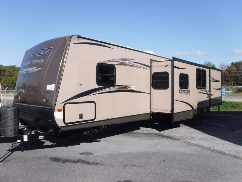 2014 Prime Time TRACER 3200BHT