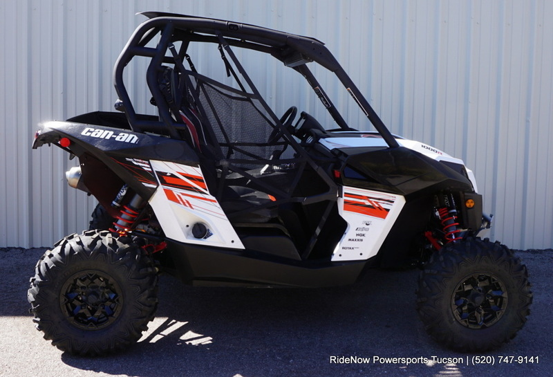 2015 Can-Am Maverick MAX X rs DPS 1000R White, Black & Can-Am Red