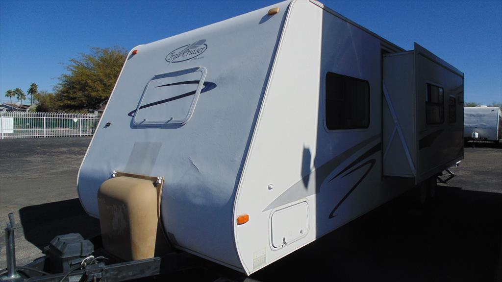 2006 R-Vision Trail-Cruiser 30QBSS w/1sld