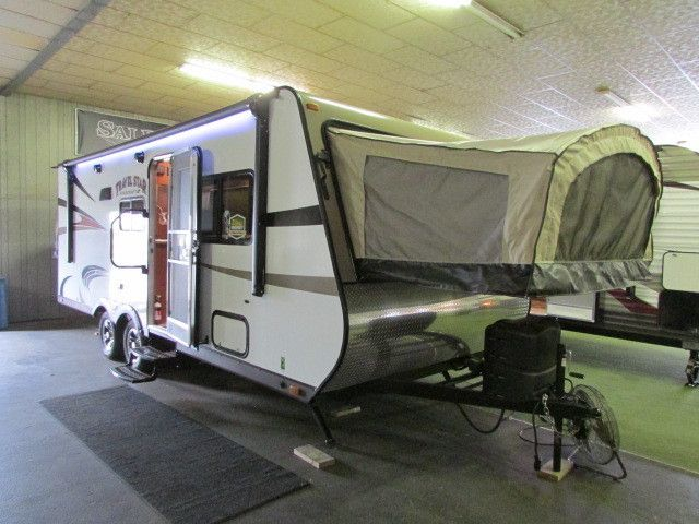 2017 Starcraft Travel Star 229TB