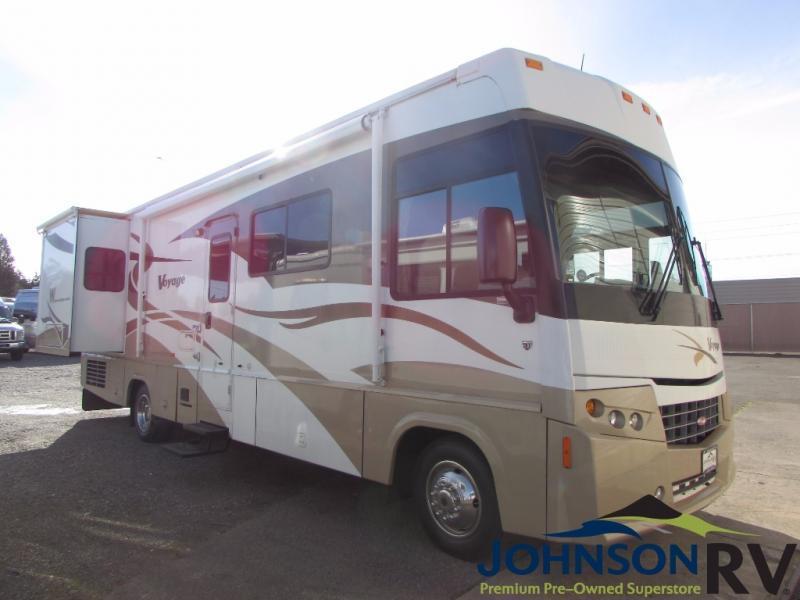 2008 Winnebago Voyage 32H
