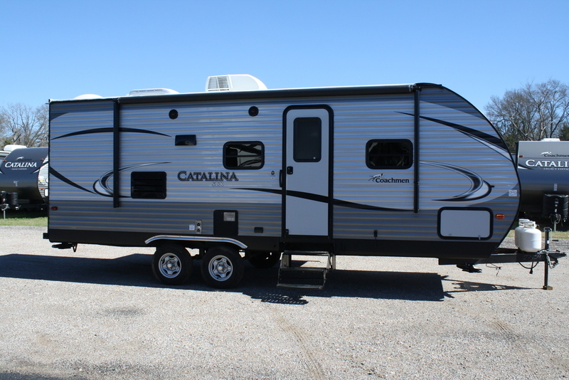 2017 Coachmen CATALINA CAT221TBS