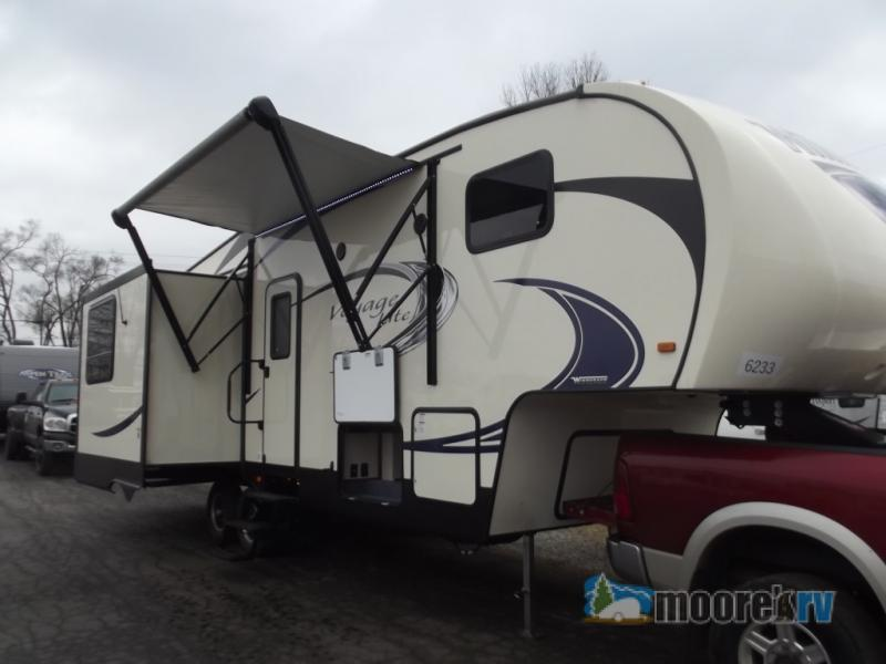 2017 Winnebago Industries Towables Voyage Lite 28SGS