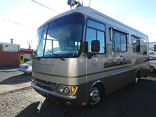 2003 Safari Trek 26ft Class A Mh Low Miles
