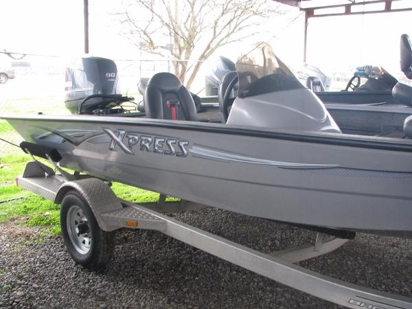 2013 Xpress Boats Hyper-Lift Crappie Series H17PFC