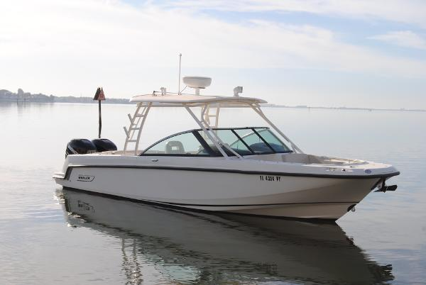 2014 Boston Whaler 270 Vantage