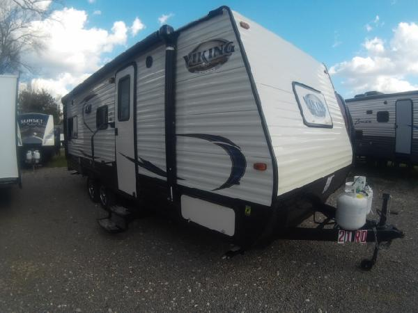 2017 Coachmen Viking VWT21RD