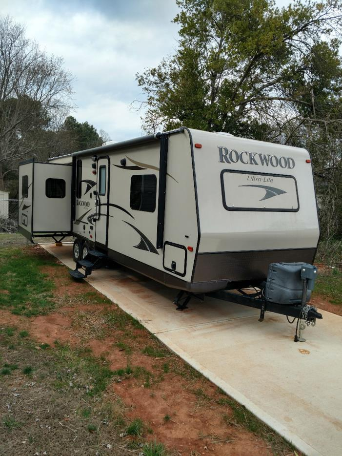 2012 Forest River ROCKWOOD ULTRA LITE 2703WS