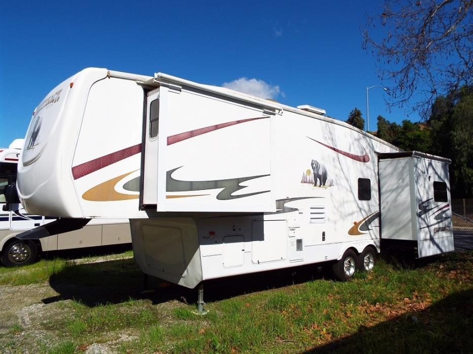 2006 Forest River Cedar Creek Silverback 33LCDTS Triple Slide-Out