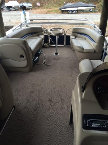 2012 Sun Tracker Party Barge 24 DLX XP3