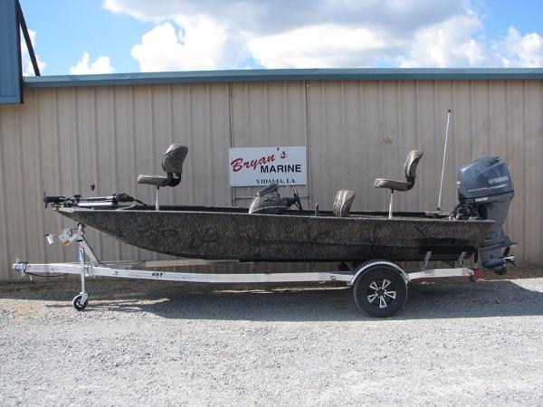 2017 Xpress Boats Xplorer Series XP180