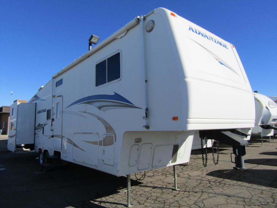 2007 Fleetwood Advantage 345BHTS