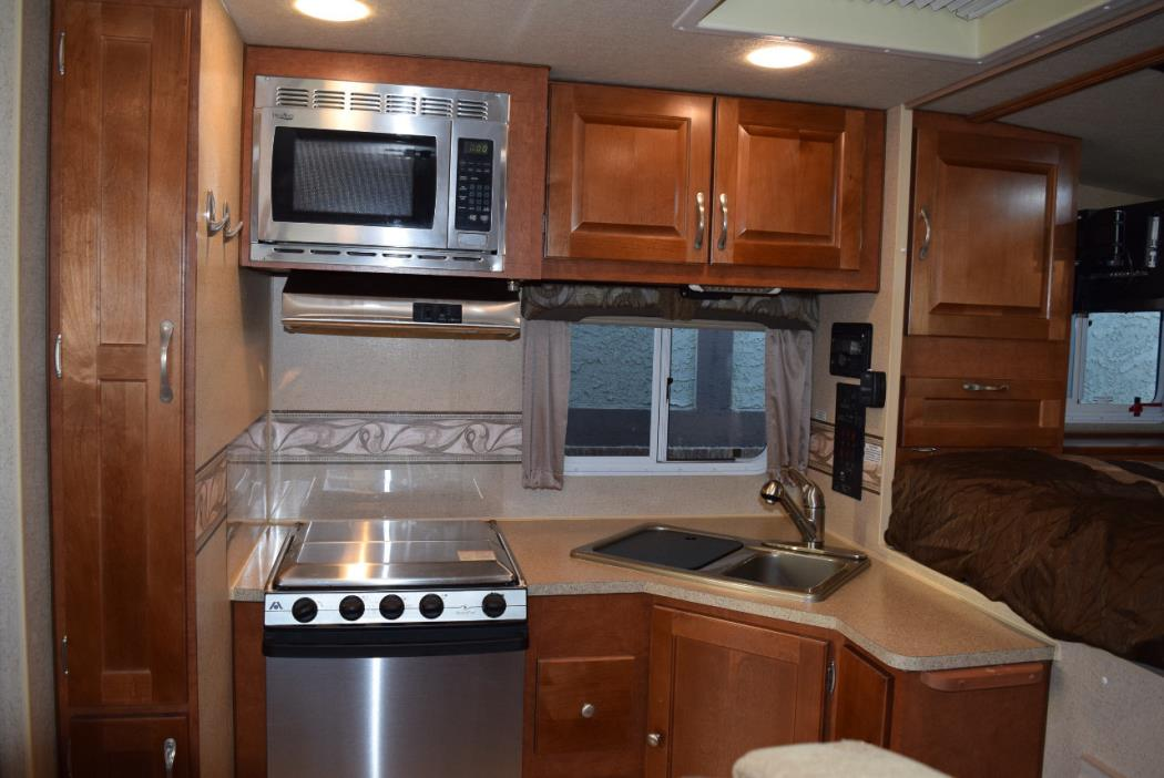2015 Northwood Mfg ARCTIC FOX CAMPER 811 WET BATH