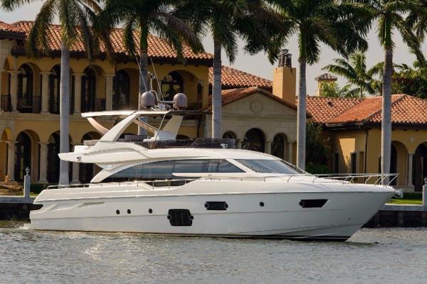 2015 Ferretti Yachts V8 M94