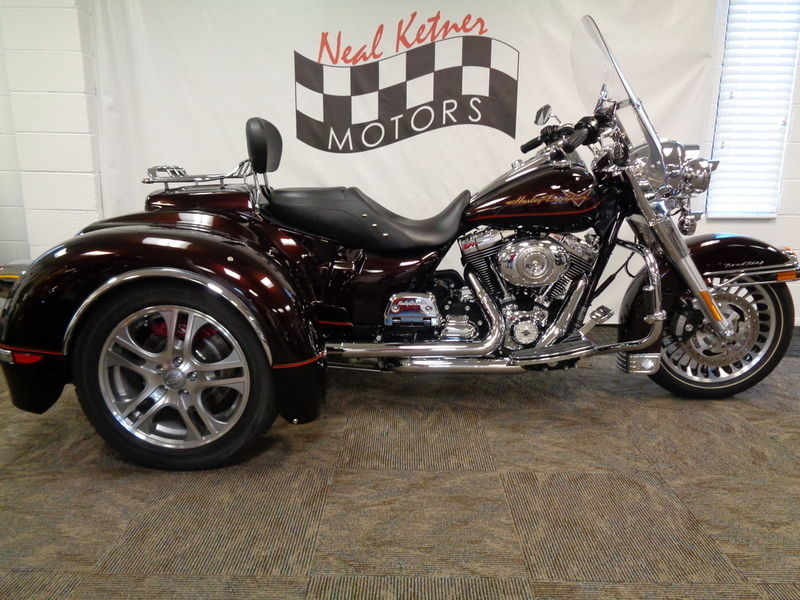 2011 California Side Car FLHR - Road King