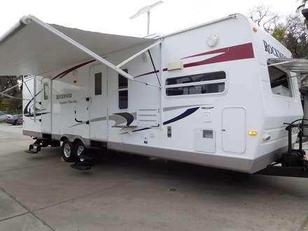 2010 Forest River ROCKWOOD 8315 BSS SIGNATURE ULTRA-LITE