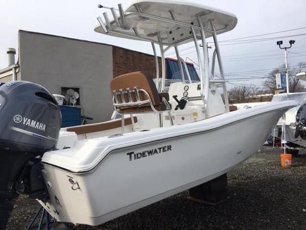 2017 Tidewater Center Console