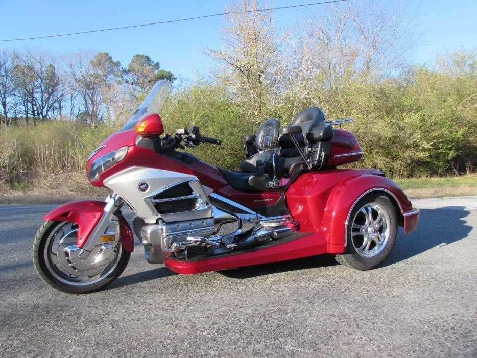 2012 Honda GOLDWING GL1800 ROADSMITH HTS TRIKE WITH RUNNING BOARDS
