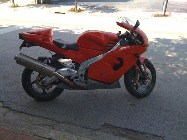 2000 Aprilia RSV MILLE